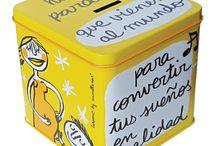 Huchas de Anna Llenas, originales y divertidas! / Las huchas de metal que en Decocuit tenemos para tí, están realizadas con un diseño 100x100 español, de la mano de la ilustradora infantil Anna Llenas, la creadora del Monstruo de colores, de Topito Terremoto y Rita y Lolo de Te quiero (casi siempre). Cada una con un motivo para ahorrar. Y es que en Decocuit, regalos y decoración en nuestra tienda de Burgos, en C/ San Pablo 22 y nuestra tienda on line www.decocuit.com podrás encontrar los regalos más originales para hacer!