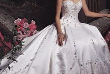 Wedding Ideas / by Donna Holowka