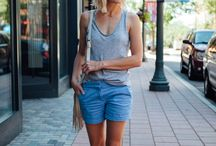 Summer Fashion / Ideas, tips and inspiration for summer fashion. Cute outfit ideas for moms and women in their 40s.