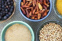 Kruiden & Specerijen / In ons assortiment vindt je een grote verscheidenheid aan kruiden en specerijen.