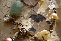 Bijoux DIY... / by Nathalie Meric