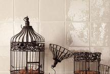 Vintage Tiles / Vintage tegels, creëren die vintage sfeer voor jouw. Met enorm veel mogelijkheden en zoveel verschillende uitstralingen, zit jouw sfeer en stijl er ook tussen.