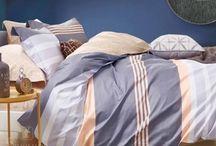 ПБ. Постельная классика  из сатина от SL (SoftLine) / Хотим Вас порадовать новой серией постельного белья из 100% хлопкового сатина от фабричного китайского производителя SL (SoftLine)! Мы сделали знакомство с новой коллекцией вдвойне приятным благодаря не только отличному качеству белья в красивой подарочной упаковке, но и минимальной стоимости! Так, 1,5-спальный комплект стоит всего 2970 руб., 2-спальный - 3160 руб., евро комплект  - 3390 руб., а семейный (с 2-мя пододеяльниками) - 3950 руб. 05.10.2017