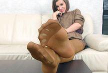 nylon / nylon feet