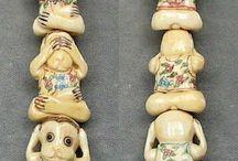 Animal Beads > Monkey / Hand carved natural gemstone, boxwood and bone monkey beads.