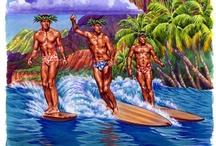 Hawai li erkek sörf yapıyor