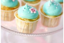 Cupcakes / by Nicki Cooley