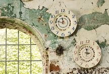 Plate clocks