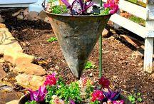 kert újrahasznosított dolgokból