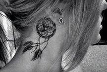motifs tattoo d'oreilles