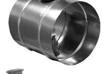 Przepustnice wentylacyjne / Przepustnice wentylacyjne moją funkcje zamykającą, regulującą i rozdzielającą powietrze. Płaszczyzny mogą być wykonane z jednej części (pełna blacha lub perforowana) lub jako wielopłaszczyznowe.
