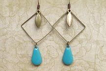 Jewellery & accessories / by Carol Woodman