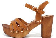 Telitalpú cipők