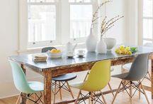 Πολύχρωμες καρέκλες κουζίνας