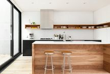 Kitchen / Balance of wood and white of