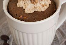 Overige Mug Cakes / Bekijk hier het overzicht van allerlei unieke mug-cake (cake in mok) recepten, en maak binnen enkele minuten een heerlijke mug cake in de magnetron!