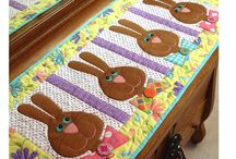Table Runners & Wall Hangings / Table runners