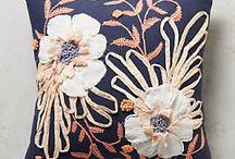 almohados bordados