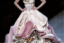 Haute Couture  L O V E / Stunning fashion for those like me who can only dream of wearing or owning these beautiful creations! :(