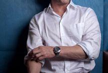 Шон Бин (Sean Bean) / Шон Марк Бин (Shaun Mark «Sean» Bean; родился 17 апреля 1959) — английский актер театра и кино. Известен благодаря ролям Боромира в кинотрилогии «Властелин колец», Эддарда Старка в телесериале HBO «Игра Престолов» и вымышленного британского офицера Ричарда Шарпа в телесериале «Приключения королевского стрелка Шарпа». Другие заметные работы включают роль Алека Тревельяна, агента 006 — противника Джеймса Бонда в фильме «Золотой глаз», Одиссея в «Трое», Яна Хау... http://bit.ly/1aji5l9