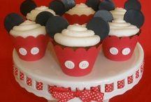 Cupcakes / by Jennifer Becker Wagner