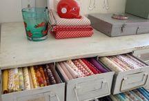 ☆ Hobbykamer maken / Je kinderen gaan op eigen benen staan. Even wennen maar nu heb je wel een slaapkamer over die je kunt gebruiken als hobby- of logeerkamer!
