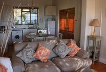 Debbies Cottage / Gorgeous Simon's Town cottage offering a fusion of Victorian charm in a fully equipped self catering cottage with fabulous sea views and walking distance to the centre of Simon's Town.