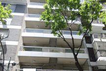 VENTA/DTO Código:CAP177291 / VENTA/DTO José Hernández al 2400, Belgrano, Código:CAP177291 Sup. Cubierta:58.00 m² Sup. Descubierta:13.00 m² Total Construído:71.00 m² Ambientes:3 Dormitorios:2 Baños:1 Antigüedad:3 años Disposición:Frente  Palemo Nuevo: Demaría 4700 esquina Sinlcair, 4.778.3900