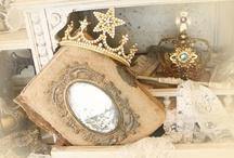 Crowns, Crosses, Clocks, FleurdeLis, Keys