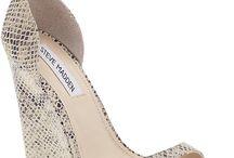 Shoes / by Daniela Matamoros