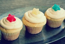 Cupcakes, Cake Pops & Cakes / by Sharon Via Hoebing