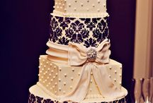 Wedding Cakes / by Courtney Hargis
