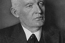 Edvard Munch / Edvard Munch (Løten, 12 dicembre 1863 – Oslo, 23 gennaio 1944) pittore norvegese. Simbolista, incisore e un importante precursore dell'arte espressionista.