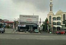 Dealer Resmi Yamaha / Yamaha Mustika Motor adalah dealer sekaligus bengkel resmi yamaha, terletak di Jalan Jatinegara Timur No. 52, Jatinegara, Jakarta Timur, DKI Jakarta 13310.