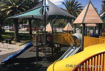 Parques infantiles / Los parques más bonitos para niños y niñas, jardines infantiles, colegios y guarderías #Playgrounds #parque #parques #parque infantil #parquesinfantiles #Rodaderos #Deslizadero #Deslizaderos #Resbaladero #Resbaladeros #LaRueda #Pasamanos #zonasrecreativas