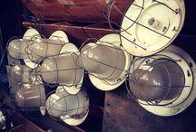 Vintage industriële lampen én meubelen / Oude vintage industriële lampen én meubelen bij Oldwood in Midwoud!