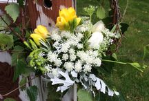 Archways and other wedding accesories / Floral archways and accessories for your special occasion.