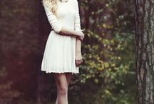 позы для девушки в платье