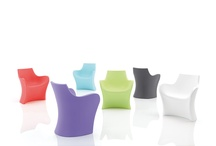 WOOPY, the small sinuous armchair / WOOPY, small armchair, in rotomoulded polyethylene, perfect for indoors and outdoors. Design Karim Rashid, 2011.