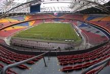 I dieci stadi più belli del mondo / Secondo Q8 sono gli i stadi più belli del mondo. I migliori per comodità, capienza e servizi per il pubblico.