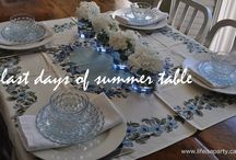 Pretty Tables / tablescapes, table setting, table setting ideas, how to set a pretty table, party tables, party ideas, tablescaping, centrepieces, place settings