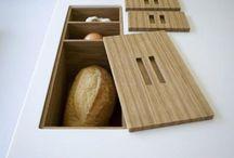 Scandi Kitchen Inspiration / Scandinavian kitchen inspiration. Minimalist kitchen decor. Simple kitchen styling.