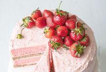 Cakes / by Elena Adan