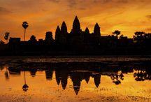 Cambodja Vakanties / Geniet van Angkor Wat bij zonsondergang, fietsend door de jungle, bezoek een drijvend dorp of bewonder het indrukwekkende Royal Palace van Phnom Penh. Maar Cambodja heeft nog veel meer te bieden! Ontdek de zeldzame Irrawaddy dolfijnen in de Mekong-rivier, maak een olifantentrekking door het wilde noordoosten of relax aan de hagelwitte stranden van Sihanoukville en Kep. Bewonder Cambodja zoals u het nooit heeft verwacht!