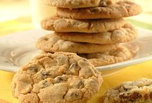 Cookies and bars / by Stephanie Olson