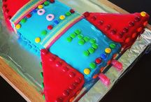 Easy 2nd Birthday Party / Low key and easy ideas for a small family party for a little girl turning two years old.