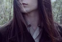 Muži s dlouhými vlasy