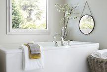 Ouvertures sur votre salle de bain / Véritable espace de vie, votre salle de bain doit vous ressembler. Partagez les idées Janneau et épinglez les fenêtres qui vous inspirent.