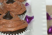 Cupcakes / by Kira Caban