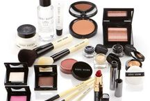 Itz de MakeUp Darlings / by Christine Mendez
